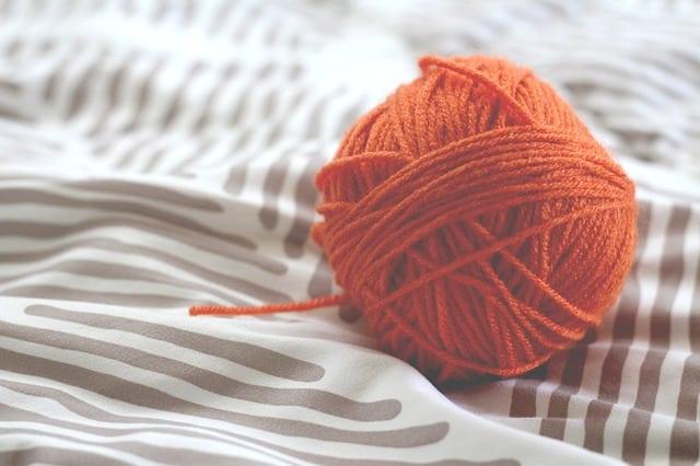 Wolle ist Hauptbestandteil des Strickkleids